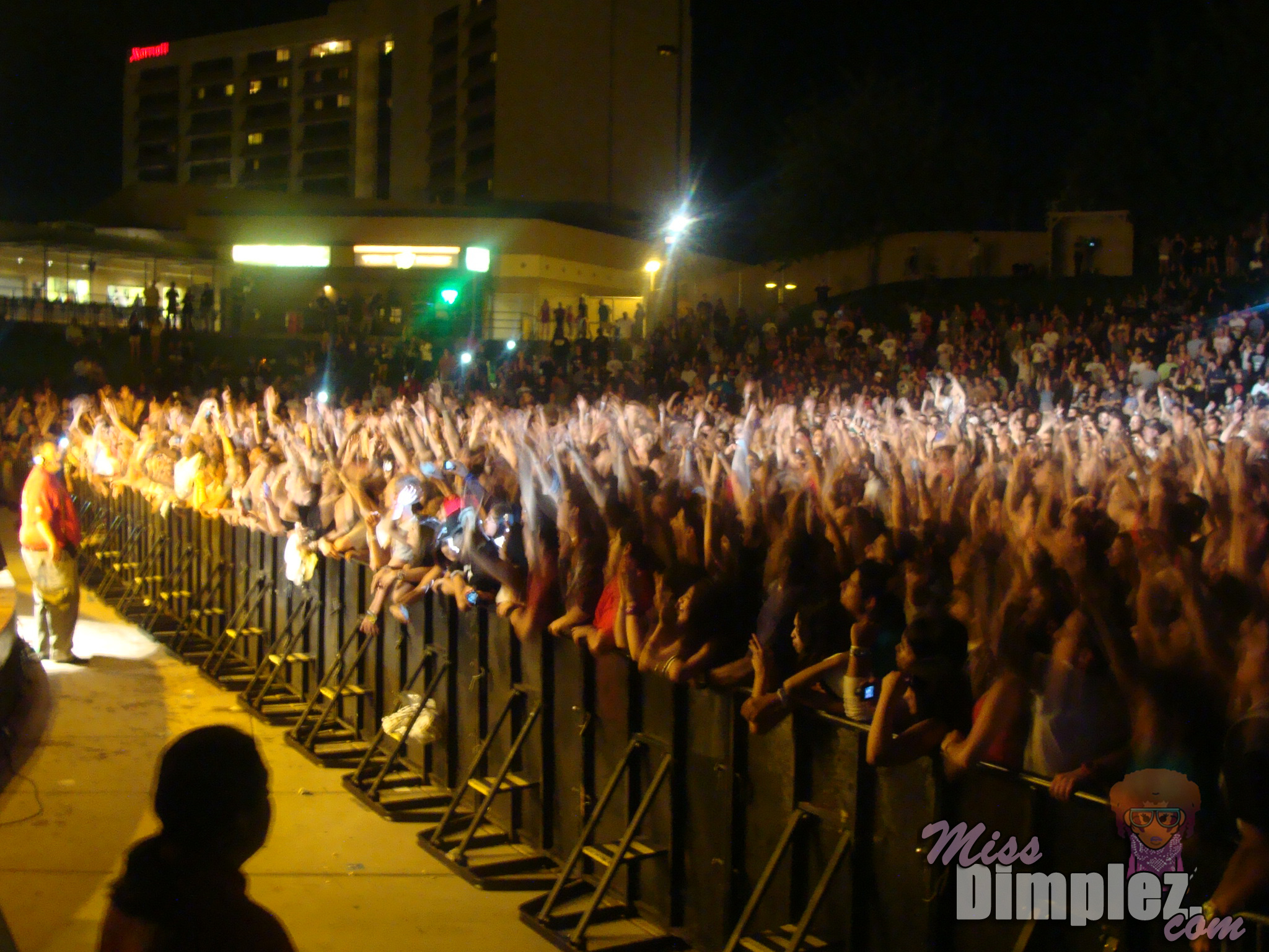 EXCLUSIVE: Lupe Fiasco LIVE At Mesa Amphitheater – Miss Dimplez