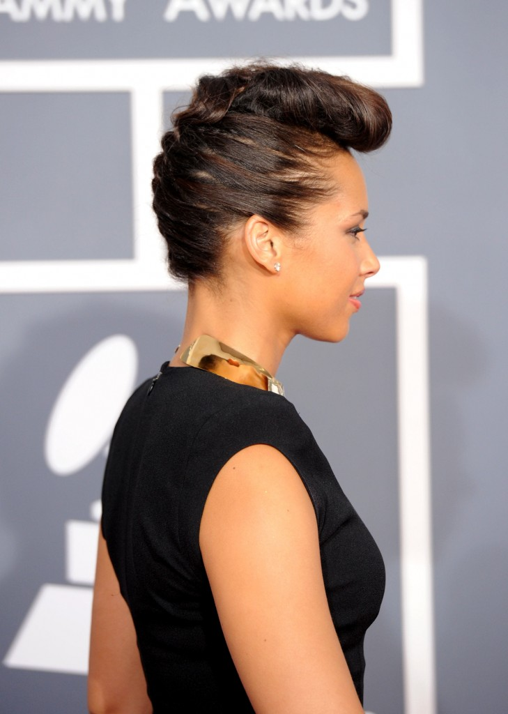 Terrific Alicia Keys Cuts Off All Her Hair Gallery Of Her Most Memorable Short Hairstyles Gunalazisus