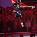 gabby douglas vmas