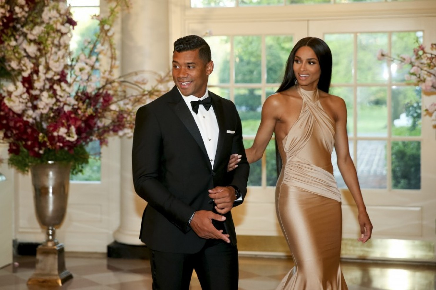 who is russell wilson dating ciara Seattle seahawks quarterback russell wilson visited the rock church in san diego on sunday, talking about his relationship with god he also made some surprising comments about his relationship with his girlfriend, ciara.